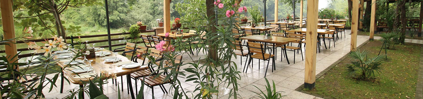 Restaurant Riverside Garden